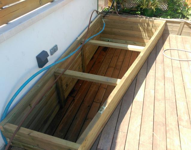 tarima y jardineras de madera