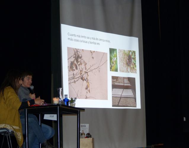 conferencia en Encis sobre patios