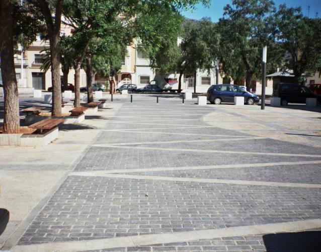 proyecto de plaza en Taverdes de la Valldigna Valencia